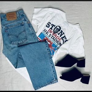 Vintage 555 light wash Denim Levi jeans.